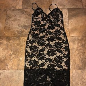 Bardot Black lace dress NWT size small 4-6
